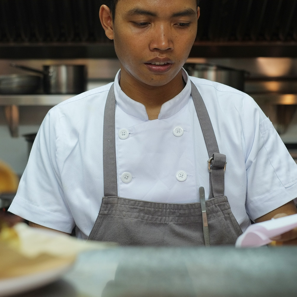 ROY QIRA - HEAD CHEF
