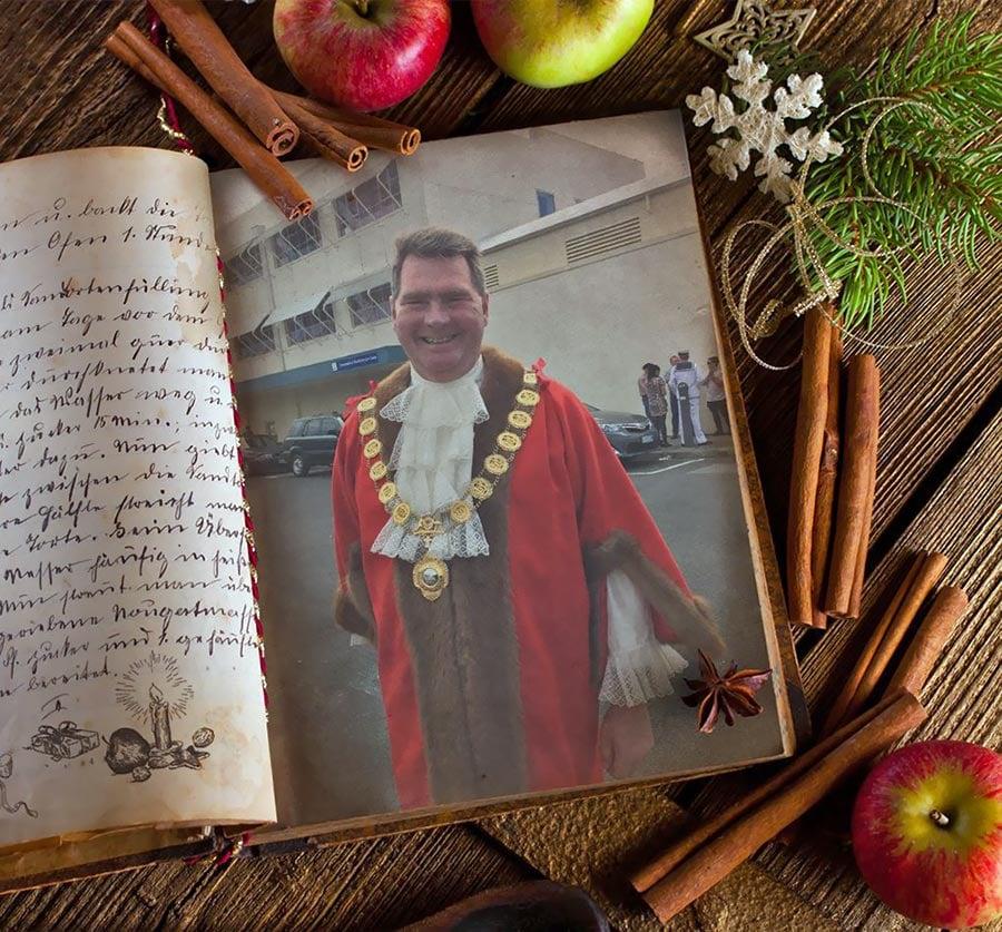 Mayoral-robes.jpg