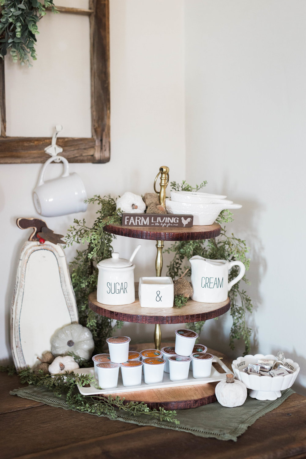 fall_farmhouse_decor_coffee_bar