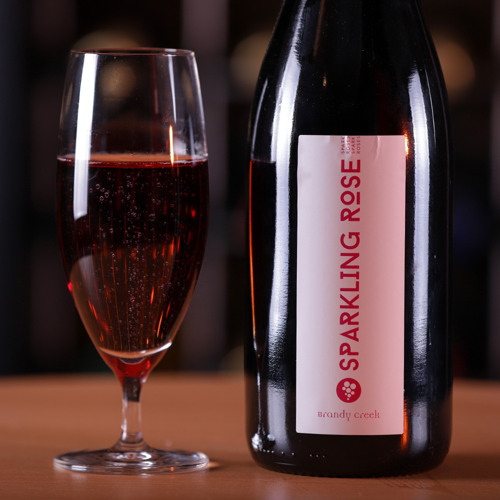 2014-Sparkling Rose - Made from 100% Tempranillo grapes. Aromas of raspberries, dry fig, middle eastern pastries, roast almond dominated with granny smith apple underlying. Palate follows the nose with crisp, oily & rich flavoursome finish.
