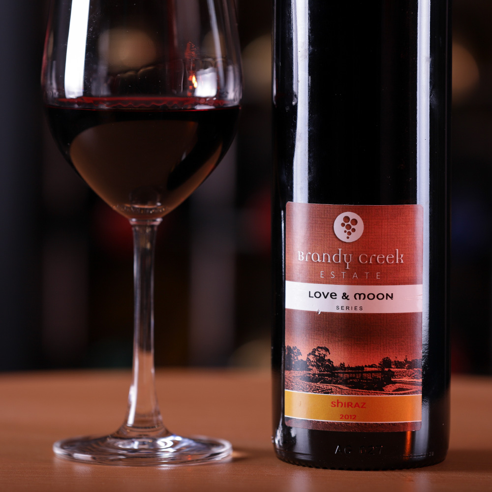 2012-Love & Moon Series Reserve Shiraz - First release of the series dedicated to the owner of the business. Carefully selected & picked bunches, old wine world methods with a modern twist to reflect his character.Very deep red colour with a slight purple hue, intense lifted ripe red and black fruits. Hints of spice and savoury notes lead to a palate that complements the aromas, rich and round with intense, juicy and chewy fruit, framed by soft but persistent tannins and a touch of French oak. A lingering, balanced tinniness finishes a complex wine.