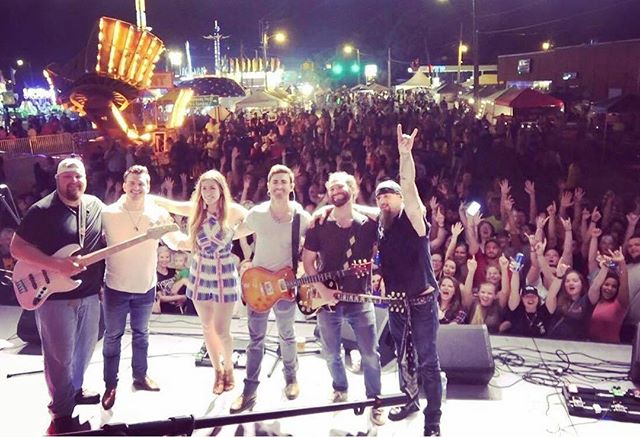 South Carolina knows how's to party! Thanks to everyone who came out last night to the SC Poultry Fest and big thanks to @codywebbcountry for bringing us along!! #scpoultryfest #laughlin #southcarolina #codywebb