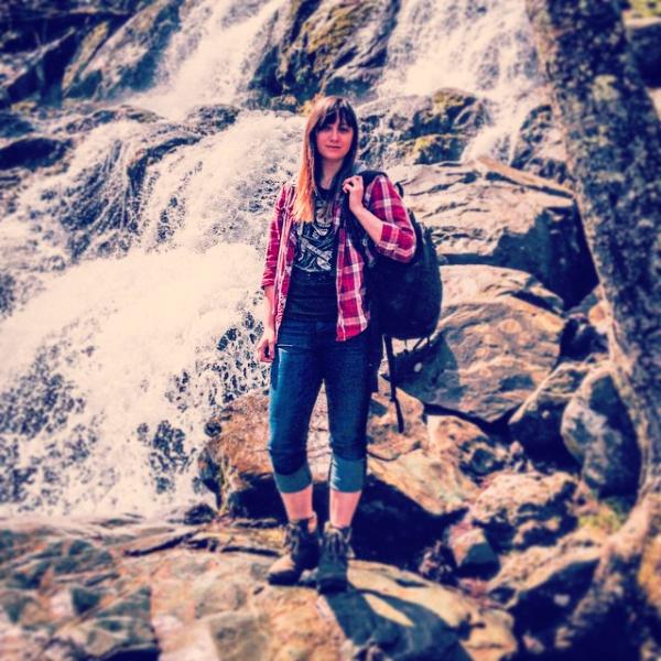 Sarah_Robbins_photo.png