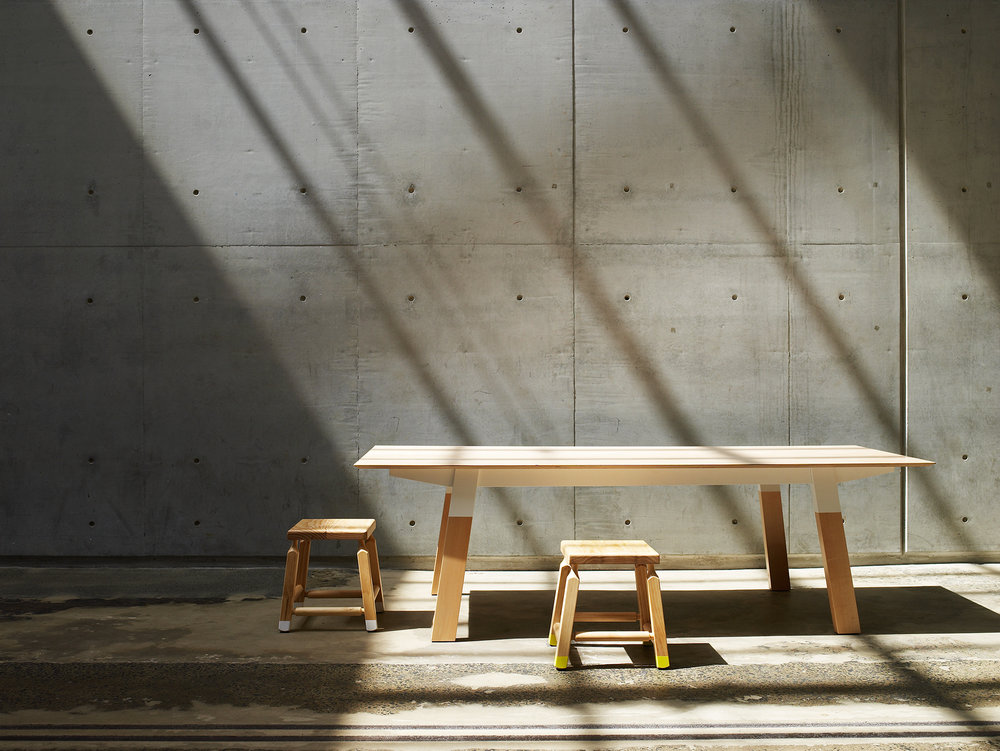 Koskela_Mika-table-and-stools.jpg
