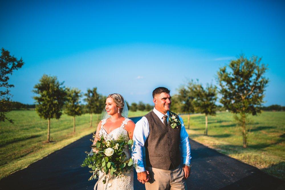 Houston-best-wedding-photographer-photographers-katy-simonton-white-oak-on-the-bayou-event-venue-david-trinh-photography-creative.jpeg