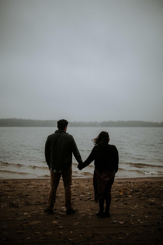 STEPH+DAN-COUPLE-REAGANLYNNPHOTOGRAPHY-PRAIRIECREEKRESERVOIR-MUNCIE-INDIANA-17.jpg