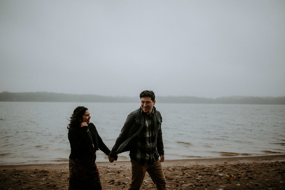 STEPH+DAN-COUPLE-REAGANLYNNPHOTOGRAPHY-PRAIRIECREEKRESERVOIR-MUNCIE-INDIANA-19.jpg