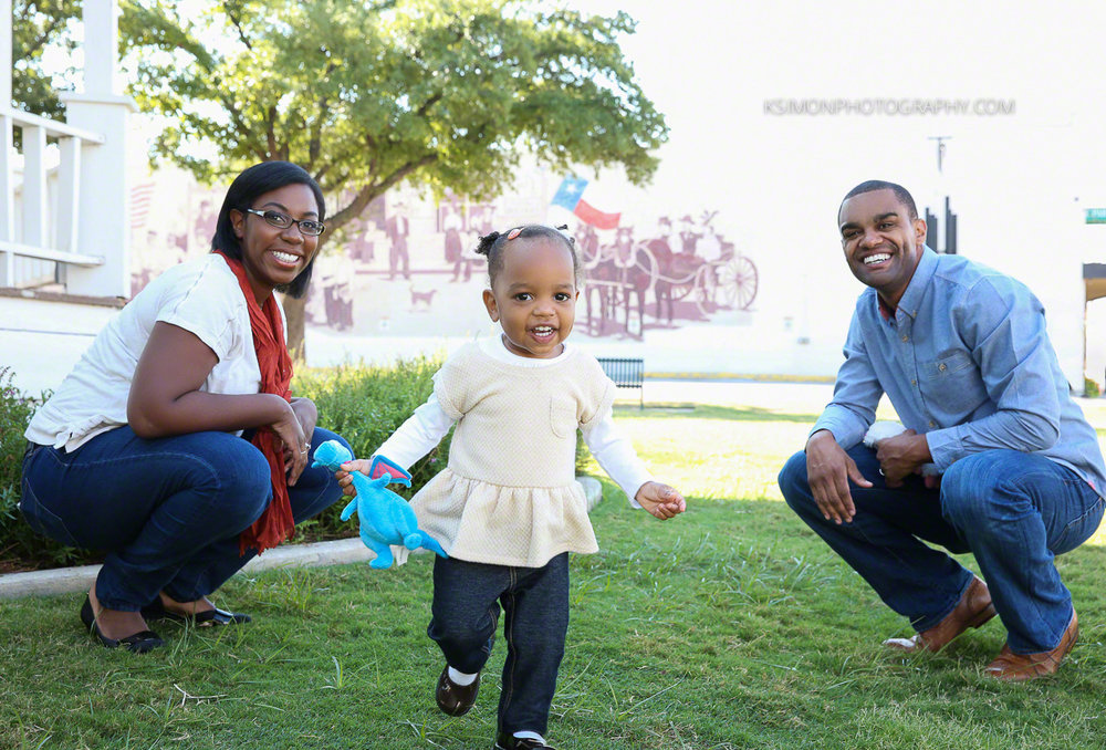 Lifestyle Family Portrait | Atlanta + Dallas Lifestyle, Fashion & Business Portrait Studio and Outdoor Photographer | ksimonphotography.com | © KSimon Photography, LLC