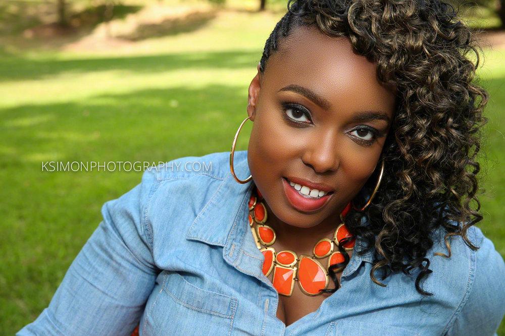 Lifestyle Headshot of Beautiful Woman | Dallas Fashion & Lifestyle Portrait Studio and Outdoor Photographer | ksimonphotography.com | © KSimon Photography, LLC