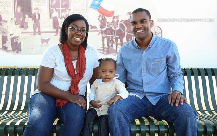 Lifestyle Family Portrait | Dallas Lifestyle, Fashion & Business Portrait Studio and Outdoor Photographer | ksimonphotography.com | © KSimon Photography, LLC