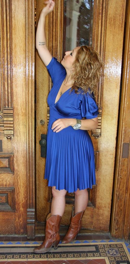 The-Blue-Dress-Full