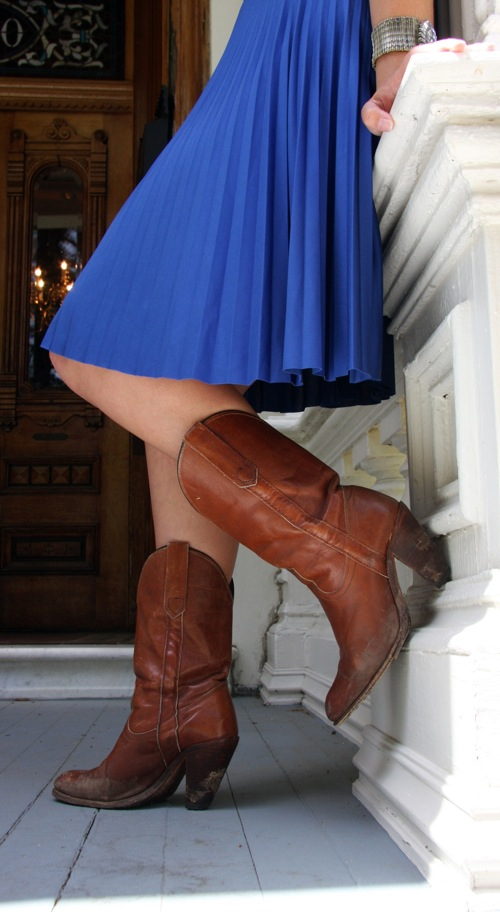 The-Blue-Dress-boots