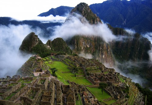 Machu-Picchu-hot-winter-trend-green