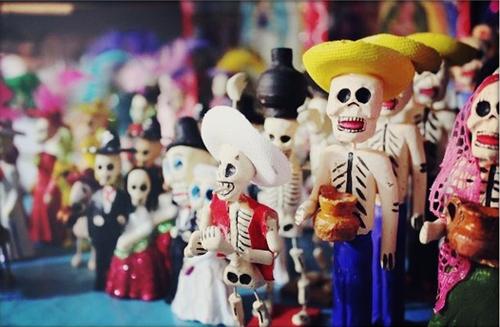 Dia-de-los-Muertos-Skeletons