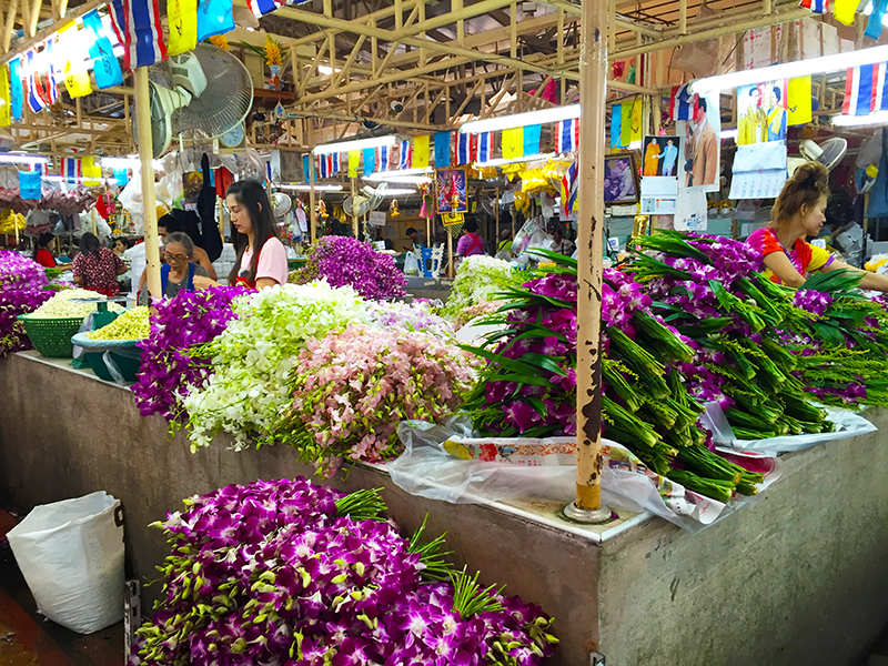 Largest 24-hour flower market in Bangkok