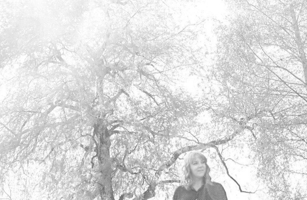 lauperzemp_portrait_environmental_ariane_1898SW.jpg