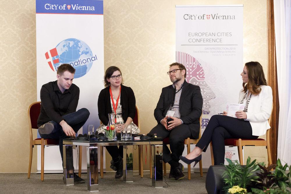 European Cities Conference 2018_Podium.jpg
