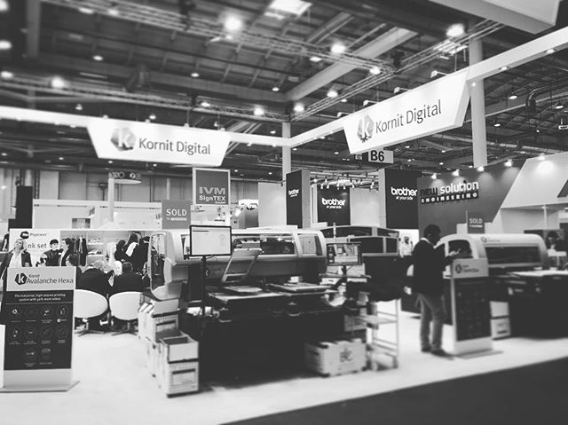 Shirt Monkey are in Hamburg visiting our friends from Kornit and Sabur at the 2017 Fespa Show  #shirtmonkey #hamburg #dtg #fespa #kornit #daretoprintdifferent