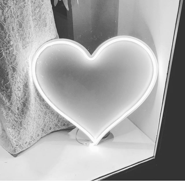 Our neon heart lighting up @theaisle.ilkley window display. #weddinginspiration #weddingideas #signsthatlookthebiz #heart #neon #neonsign #selfiestation #selfiestick #wedding #guestbook #signsthatlookthebiz