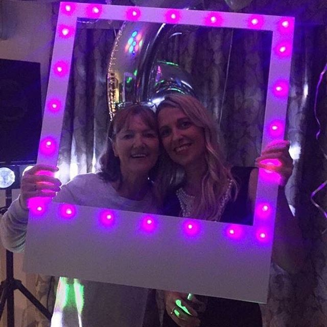 Light up the party with one of our light up frames. £39 and yours to keep at www.signsthatlookthe.biz #weddinginspiration #weddingideas #signsthatlookthebiz #selfiestick #selfiestation #selfie #party #wedding #selfieframe #lightup