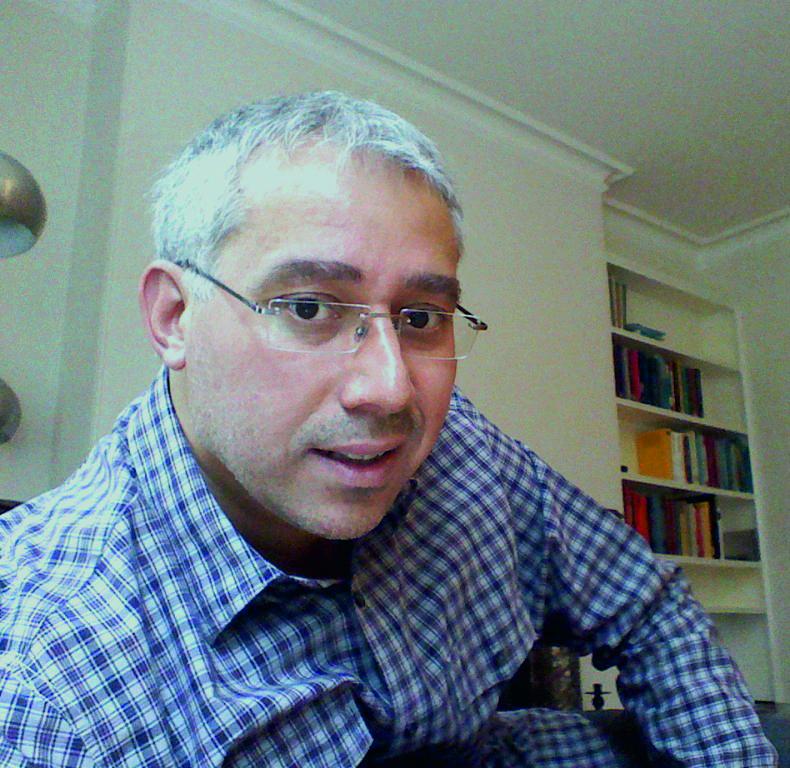 Eduardo Salazar.jpg