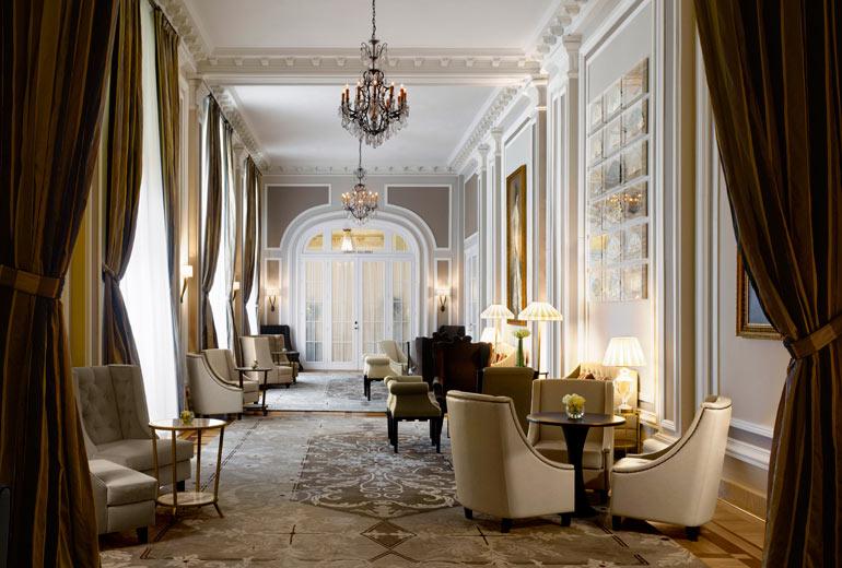 Hotel Maria Cristina Hall.jpg