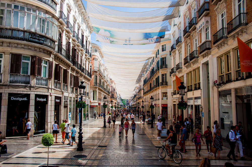 Calle_Marqués_de_Larios_under_cover_of_tents._Málaga,_Andalusia,_Spain,_Southeastern_Europe.jpg