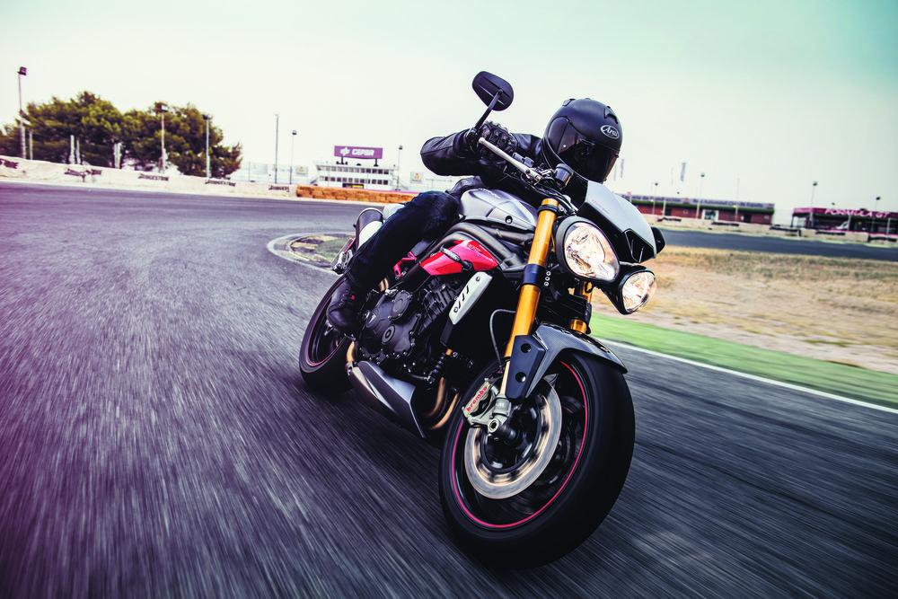 SpeedTripleR 1050.jpg
