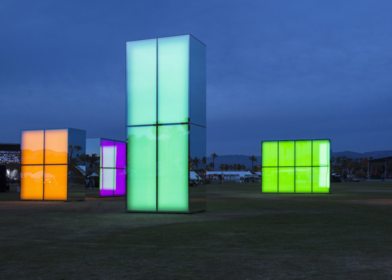 Reflection-Field-at-Coachella-by-Phillip-K-Smith-III_dezeen_ss5.jpg