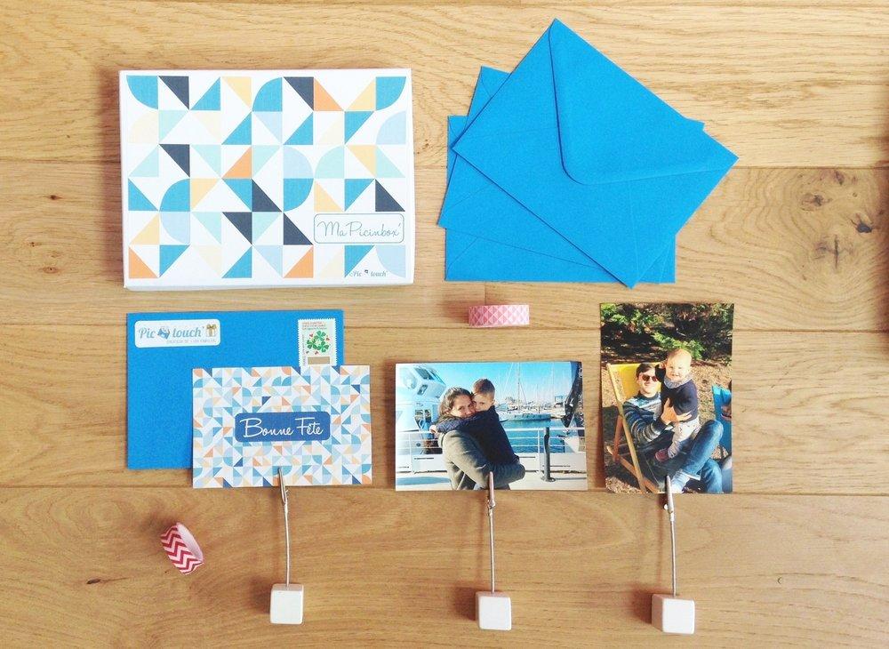 Une jolie boite pour collectionner les photos reçues ainsi que 3 portes-photos pour pouvoir les apprécier tous les jours. En option sur votre abonnement (+19€ - colissimo et emballage cadeau inclus).