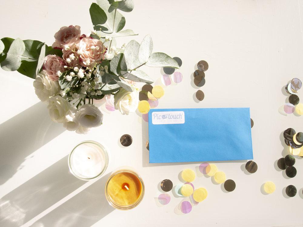 L'enveloppe bleue est devenue un mythe pour les enfants qui l'attendait avec impatience chaque semaine - Cécile de Lanlay