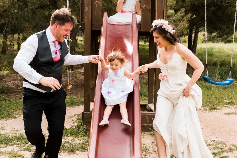 sposi figlia scivolo allegria