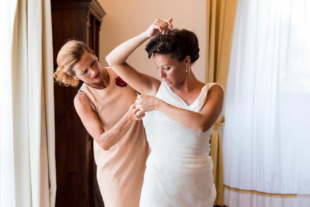 footgrafia-sposa-sorella-vestitio-abito-preparativi