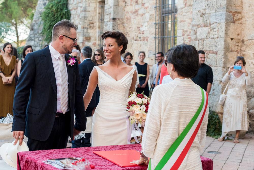 fotografia-matrimonio-cerimonia-civile-museo_di_arte_sacra-massa_marittima