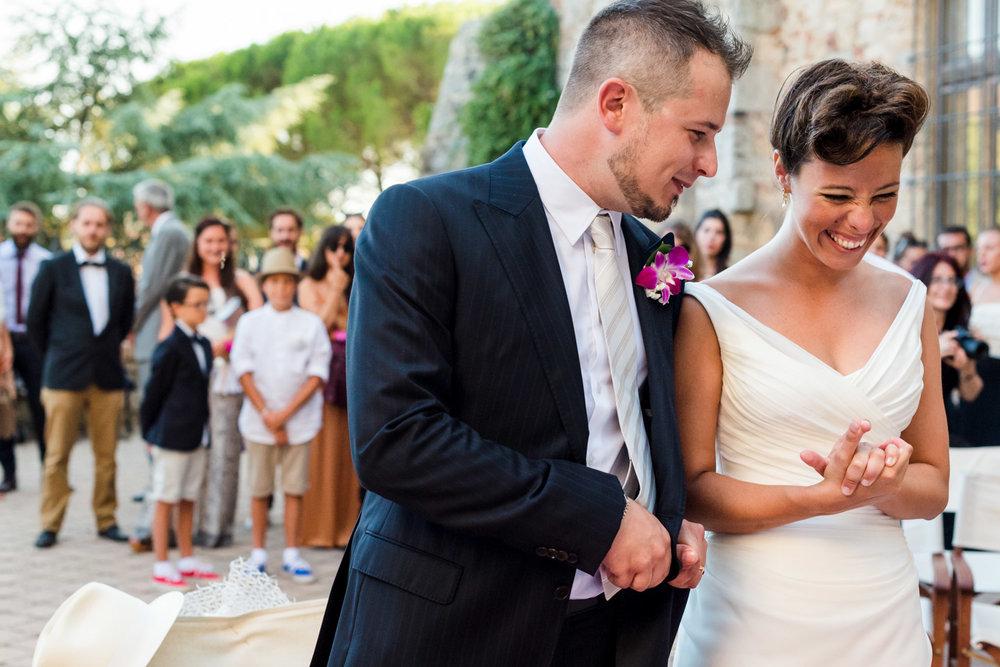 fotografia-sposi-felici-innamorati-massa_marittima-museo_di_arte_sacra