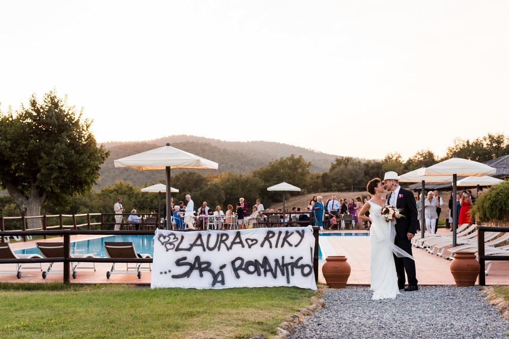 fotografia-antico_convento_montepozzali-romantico-sposi-striscione