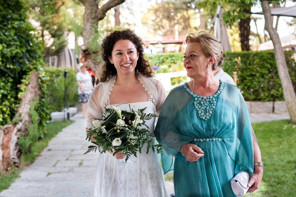 entrata-sposa-mamma-matrimonio-civile