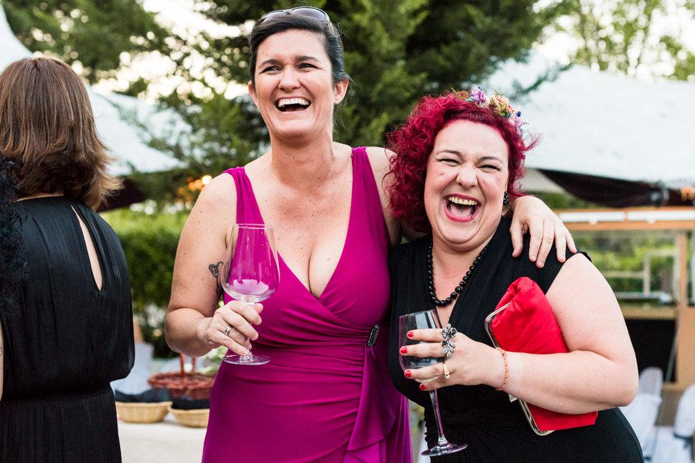 invitati-matrimonio-risata-allegria-sorriso