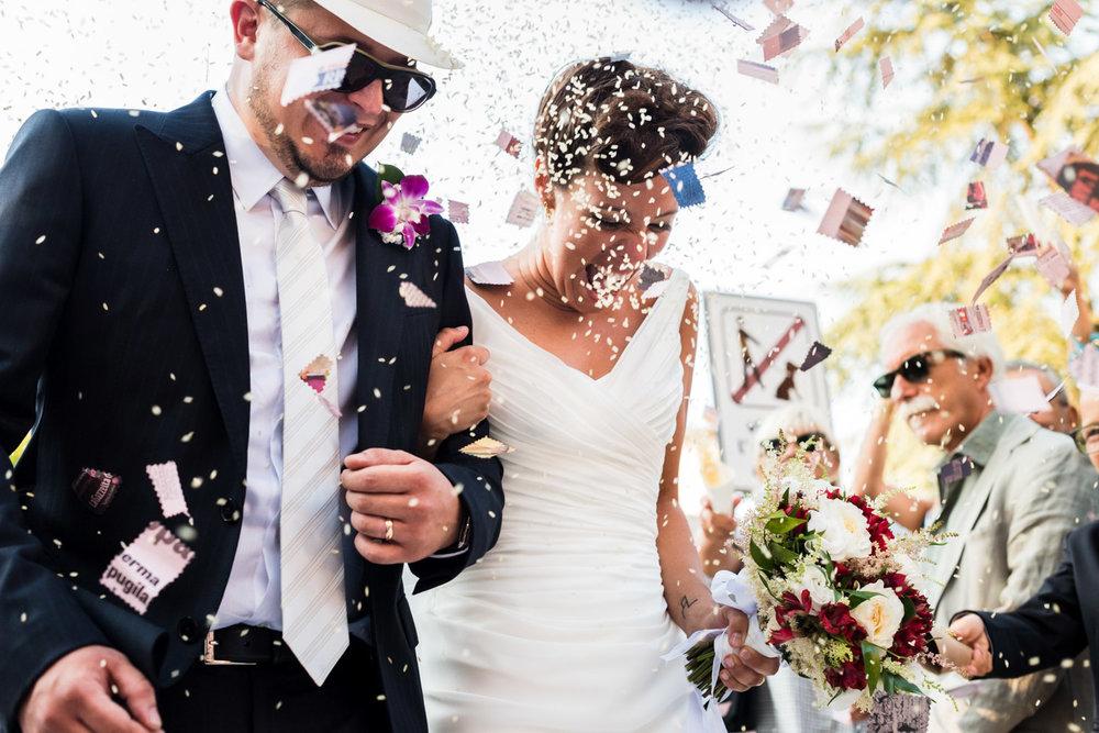 arroz-felicidad-novios-casados