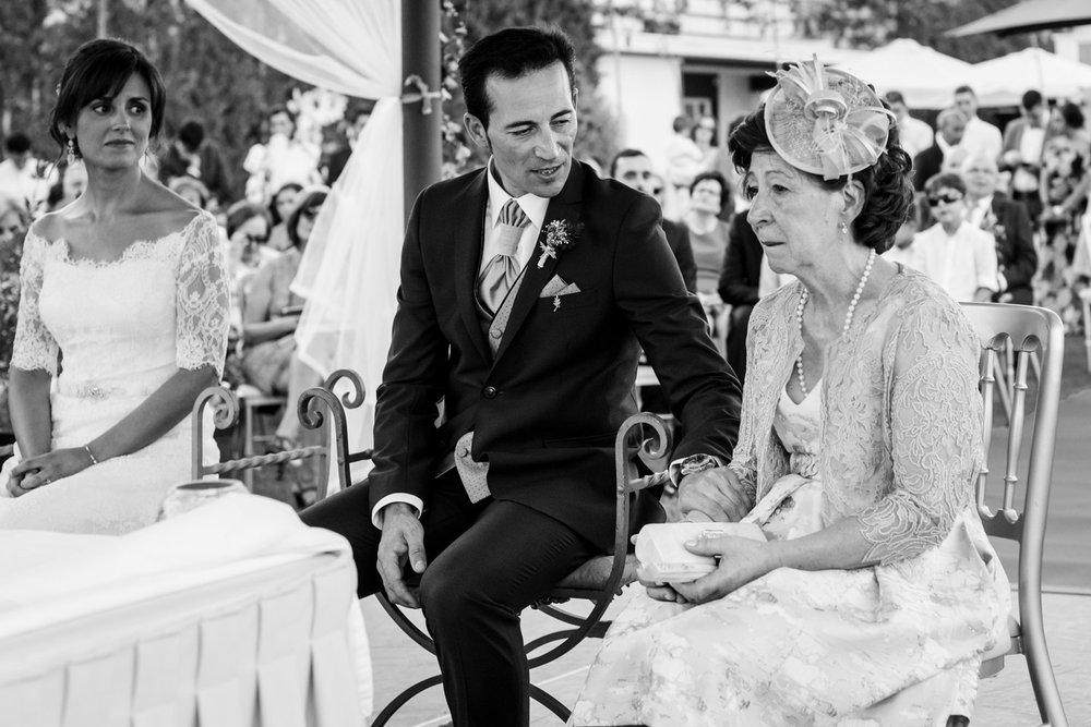 sposo-mamma-lacrime-emozione-gioia-bianco_e_nero