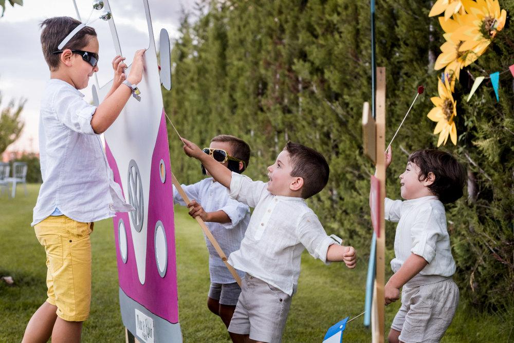 bambini-gioco-divertirsi-ridere-correre