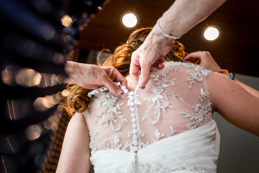 vestido-novia-mamà-manos