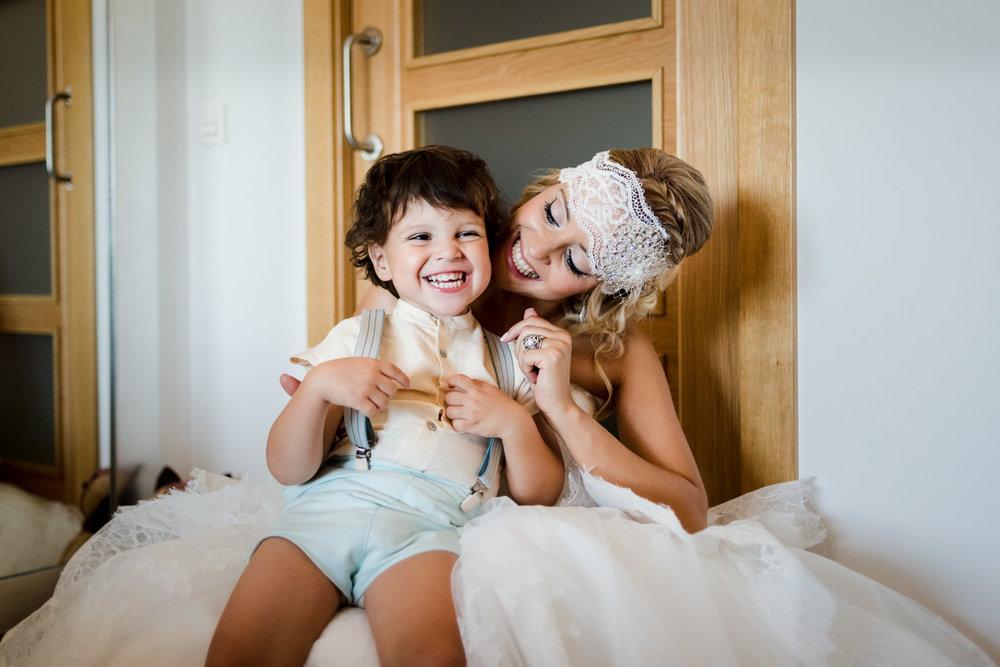 novia-hijo-sonrisa-felicidad