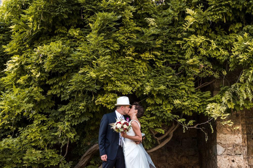 fotografia-matrimonio-massa_marittima-toscana-romanticismo-amore-allegria