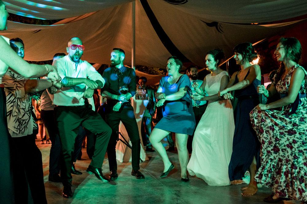 amigos-fiesta-baile-pasarlo_bien