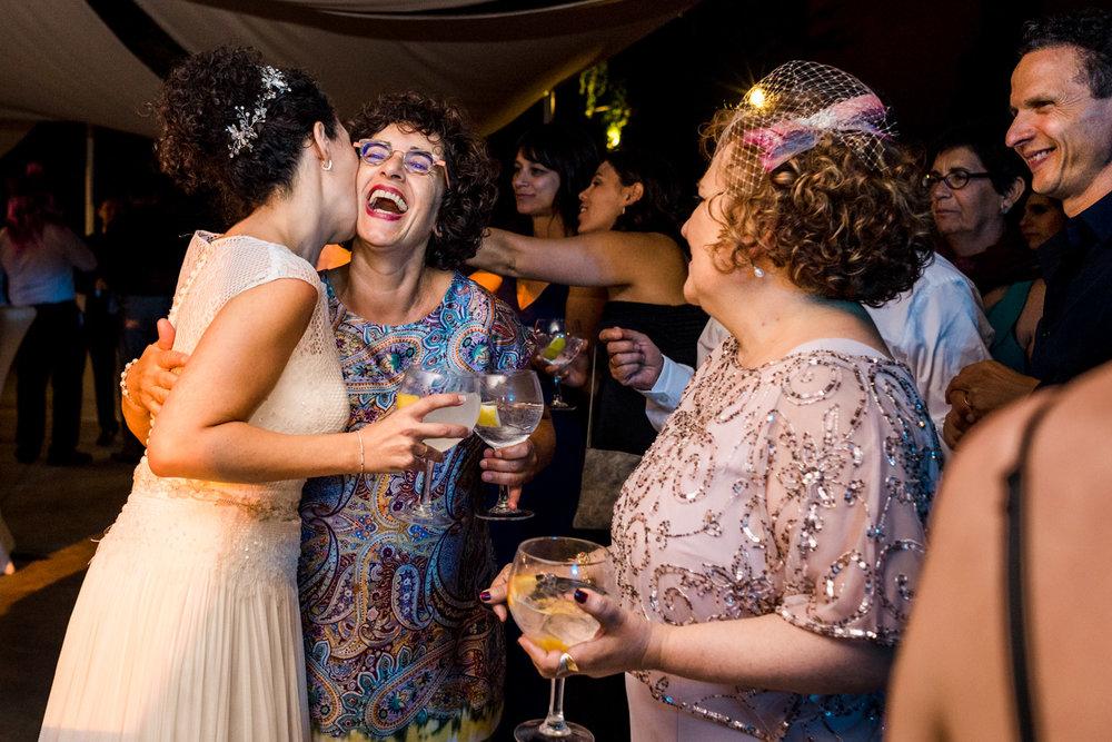 bacio-sposa-zia-felicità