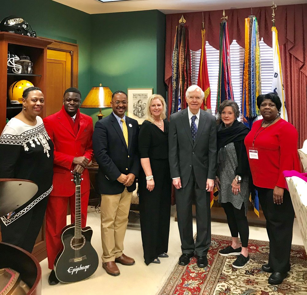 DCCL team with Senator Cochran.jpg