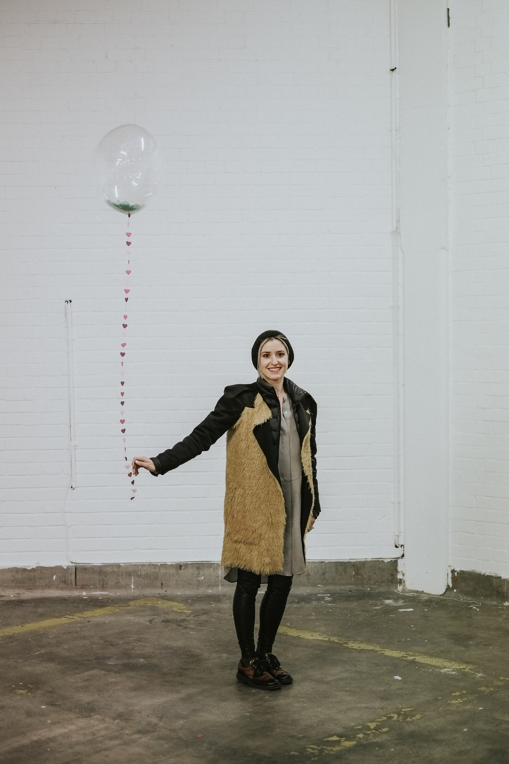 Here's  Dana Dallal Bridal  with a pretty  Pop Pop Papier  balloon that is almost bigger than her. Dana was one of my stand neighbours during the show. Her work is incredible and she is a beautiful person inside and out. I can't wait for her to come up to visit us in Leeds.