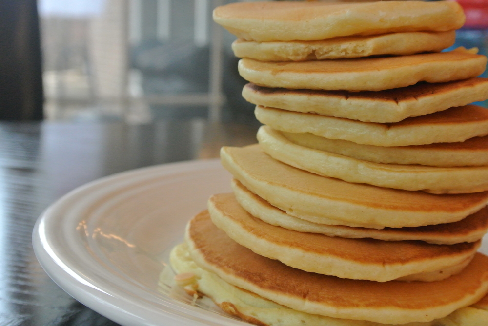 homemade pancakes, breakfast, quick breakfast cooks, sunday morning breakfast, baking powder, pancakes from scratch, sugar, salt, egg, milk, vanilla, pancake recipe,
