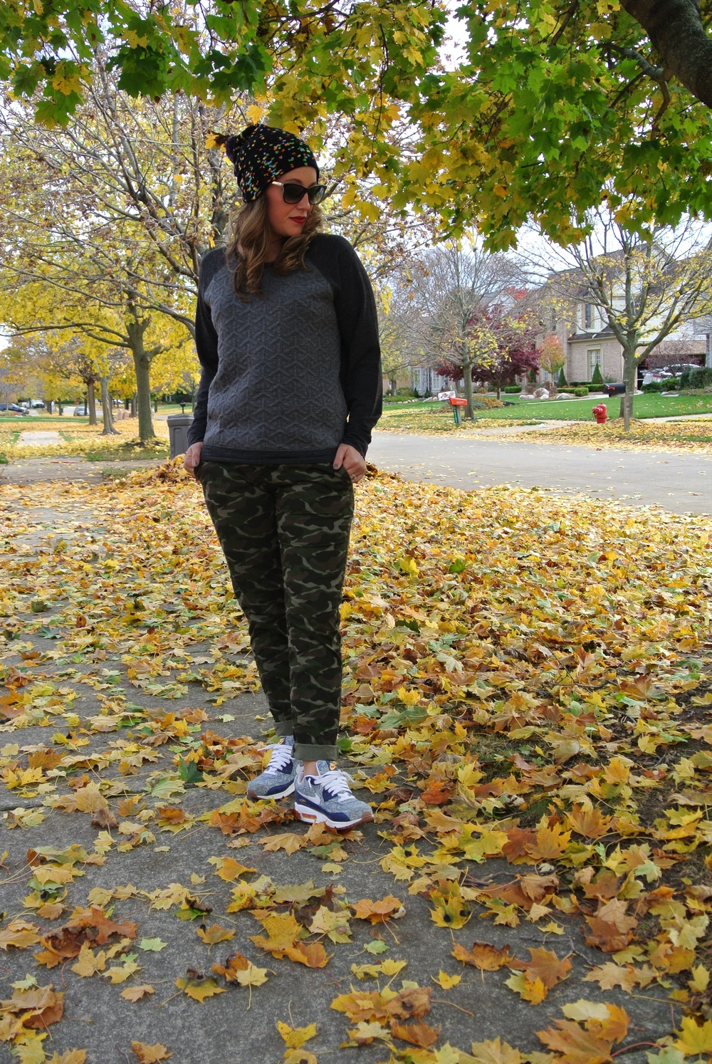 camo pants with sneakers